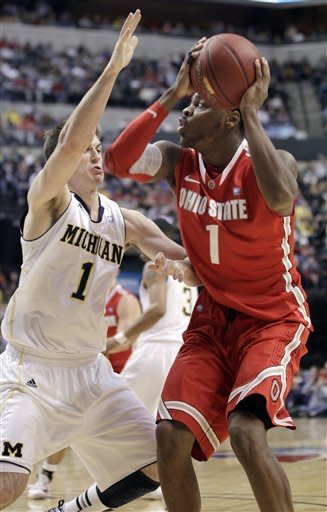 No. 7 Ohio St beats No. 10 Michigan 77-55