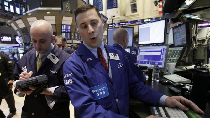 Strong earnings from AT&T, 3M lift Dow average