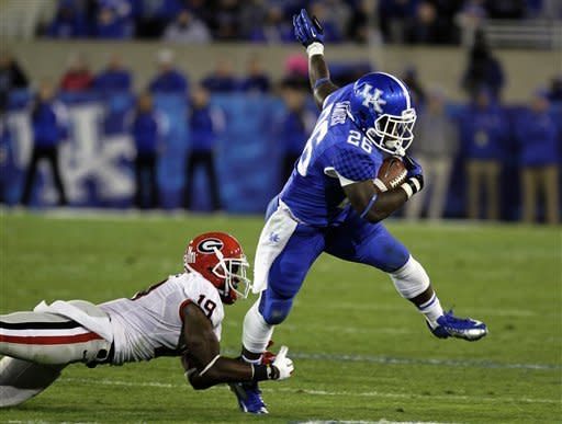 No. 13 Georgia survives Kentucky, 29-24