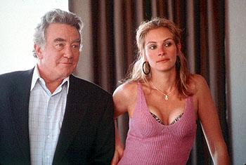 Attorney Ed Masry ( Albert Finney ) and twice-divorced high school dropout Erin Brockovich ( Julia Roberts ) make an unlikely team in Universal's Erin Brockovich