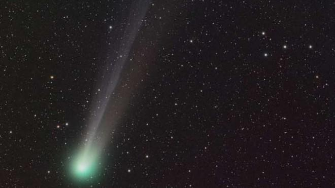 Comet C/2001 Q4 could be seen by the naked eye in May 2008. This year, another comet may burn even brighter.