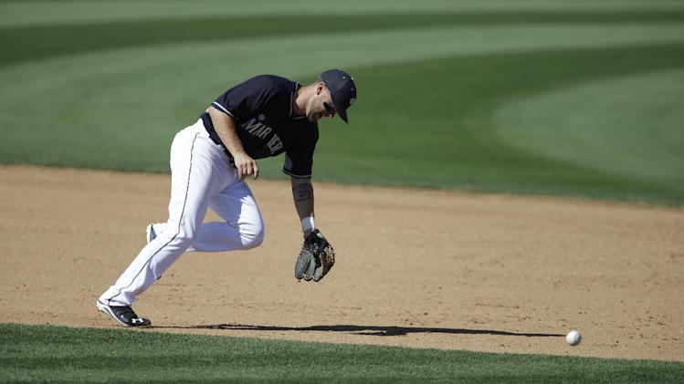 Seattle Mariners' Nick Franklin in action during a a spring exhibition baseball game against the San Francisco Giants Saturday, March 15, 2014, in Peoria, Ariz. (AP Photo/Darron Cummings)