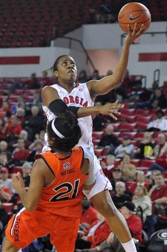 No. 9 Georgia women hold off Auburn 61-58