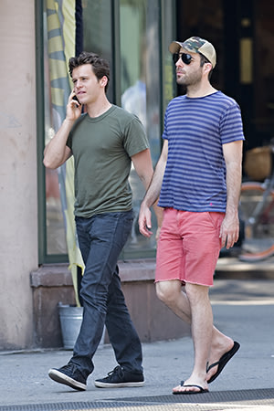 Zachary Quinto and Jonathan Groff Call It Quits  Remain FriendsJonathan Groff Boyfriend Zachary Quinto