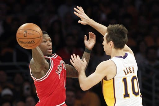 Howard leads Lakers over Bulls 90-81