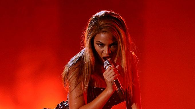 Beyonce performs at The 52nd Annual Grammy Awards held at Staples Center on January 31, 2010 in Los Angeles, California.