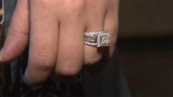 Wedding ring lost on NY subway returned
