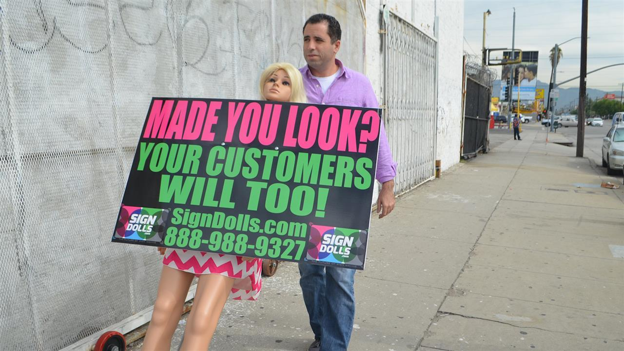 Mannequins Step In for Human Billboards, but Some Are Losing Their Heads