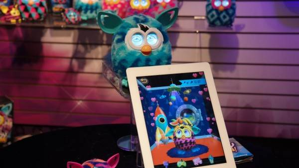Kids Play with Touchscreens More Than Toys