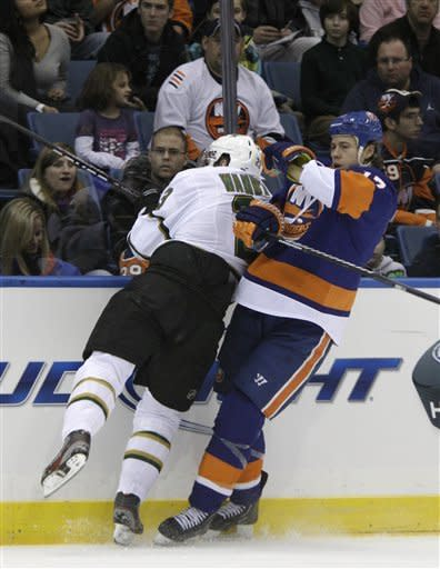 Benn leads Stars past Islanders, 3-2
