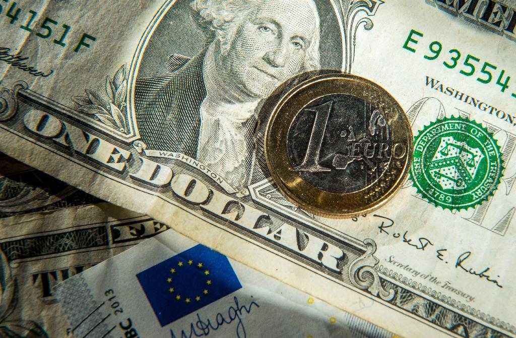 Euro tumbles to new 11.5-year low