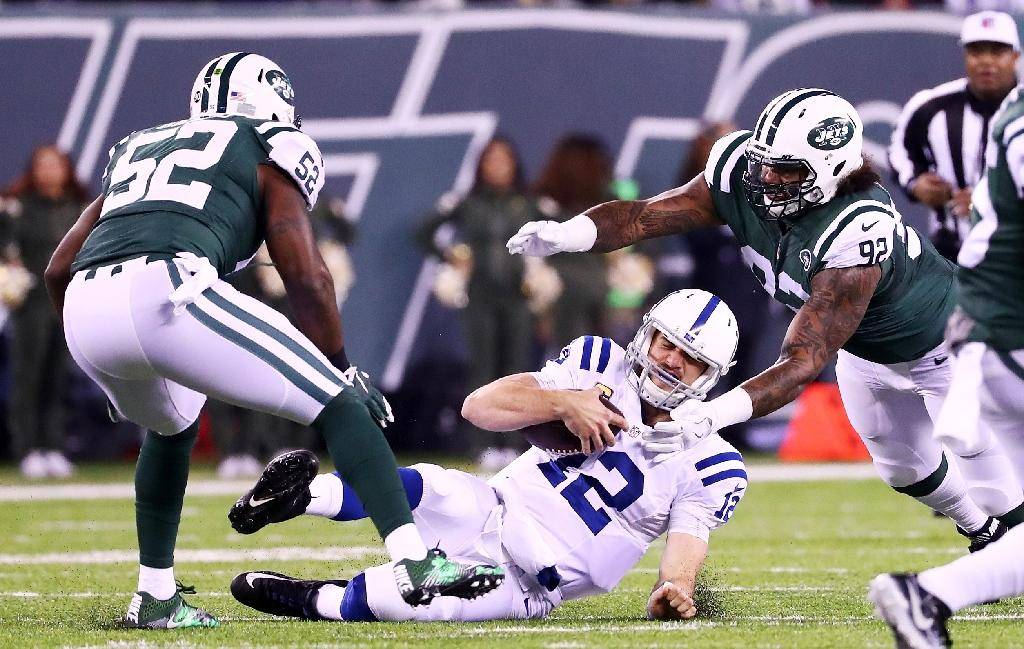 Colts demolish Jets to boost playoff hopes