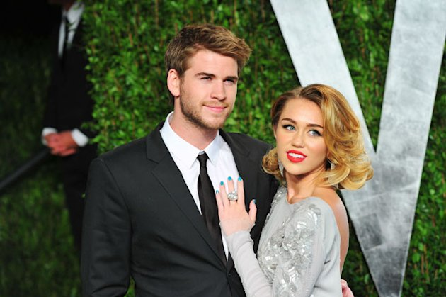 Who Wants To See Miley Cyrus's Engagement Ring Courtesy Of Liam Hemsworth?
