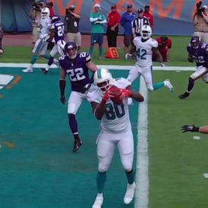 Miami Dolphins quarterback Ryan Tannehill finds tight end Dion Sims for a 14-yard TD