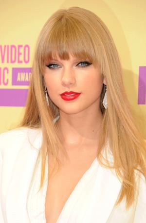 Taylor Swift arrives at the 2012 MTV Video Music Awards at Staples Center on September 6, 2012 in Los Angeles -- Getty Images