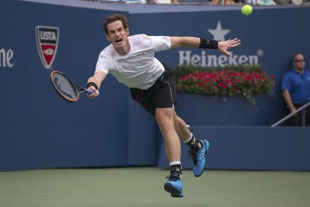 Murray overcomes two-set deficit in New York heat