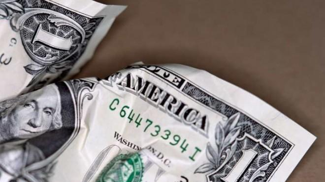 Americans may prefer the $1 bill over the pesky coin, but the latter could save taxpayers a lot of dough in the long run.