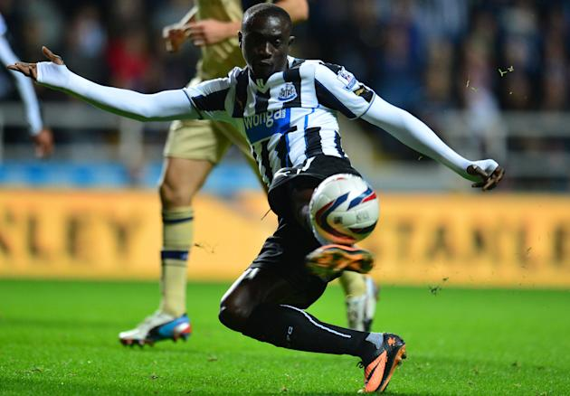 Soccer - Capital One Cup - Third Round - Newcastle United v Leeds United - St James' Park