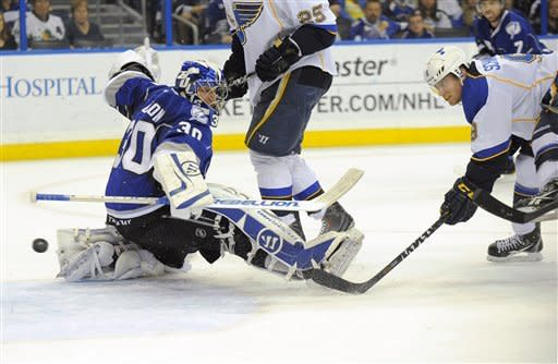 Halak and Schwartz help St. Louis beat Tampa Bay