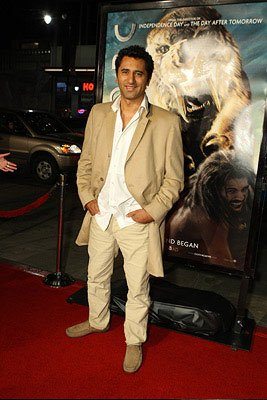 Cliff Curtis at the Los Angeles premiere of Warner Bros. Pictures' 10,000 B.C.