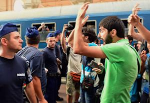 Migrants protest at Keleti railway station in Budapest …