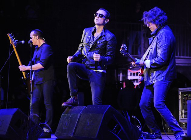 FILE - In this Saturday, May 18, 2013 file photo, Stone Temple Pilots performs at the 2013 KROQ Weenie Roast at the Verizon Wireless Amphitheatre in Los Angeles. Stone Temple Pilots have accused the b
