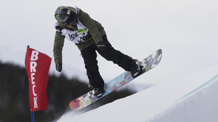 White leads the way in slopestyle qualifier