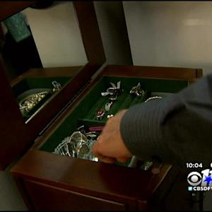 PD: Price Of Gold Increasing & Jewelry Thefts With It