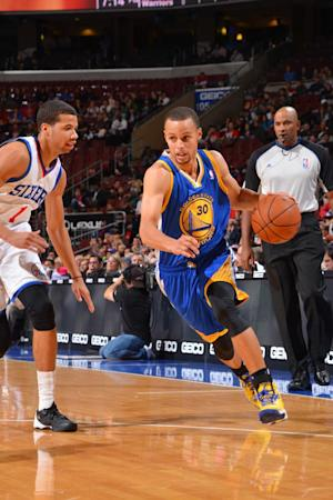 Warriors say Stephen Curry has bruised left ankle