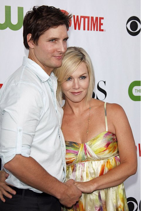 Peter Facinelli (&quot;Nurse Jackie&quot;) and Jennie Garth (&quot;90210&quot;) arrive at the CBS, The CW, and Showtime 2009 TCA Summer Tour All-Star Party held at the Huntington Library on August 3, 2009 in Pasadena, Ca