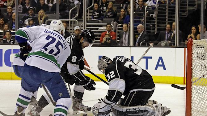 Brown, Quick lead scrappy Kings past Canucks 1-0