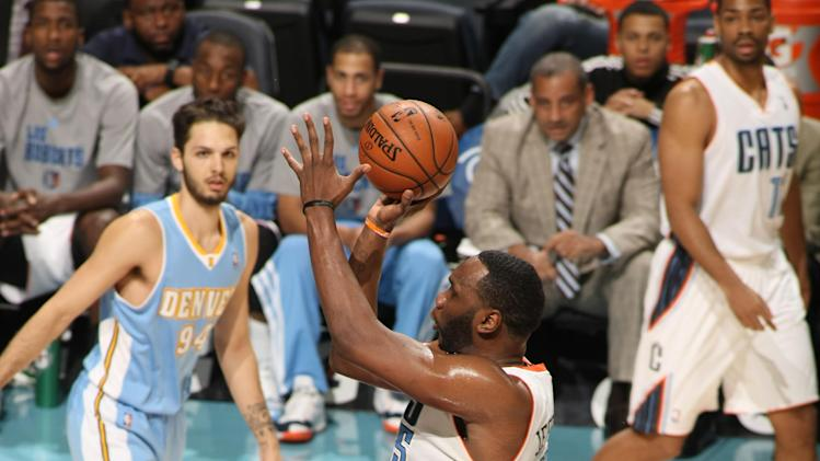 Jefferson, Walker lead Bobcats past Nuggets 105-98