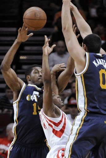 Hayward scores 29 in Utah's win in Houston
