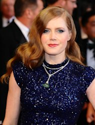 Amy Adams is in the frame for David O Russell's film about a con artist