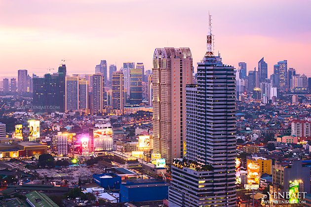 philippines-manila-skyscraper-10-jpg_064757 - Manila at twilight - Philippine Photo Gallery