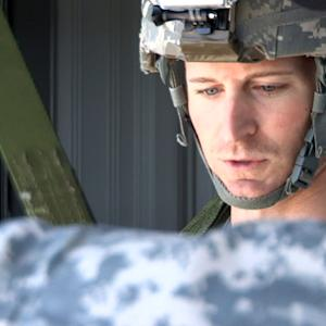 Kahne trains with troops at Fort Bragg