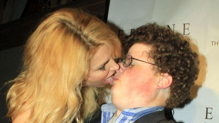 EXCLUSIVE: Brandi Lynn Glanville makes out with actor Jesse Heiman