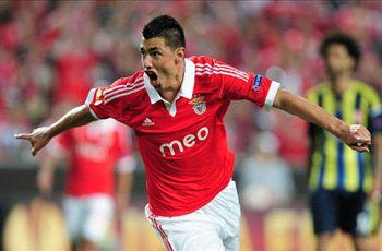 Cardozo in 'very advanced' talks over Benfica exit, claims agent