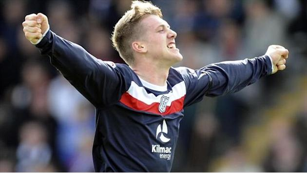 Scottish Premier League - Dundee and Hearts claim crucial wins
