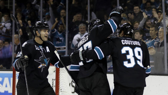 Wingels leads Sharks past Lightning 5-1