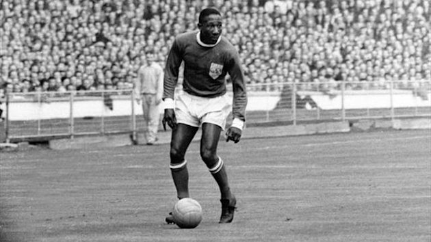 Djalma Santos plays at Wembley in 1963 (Imago)