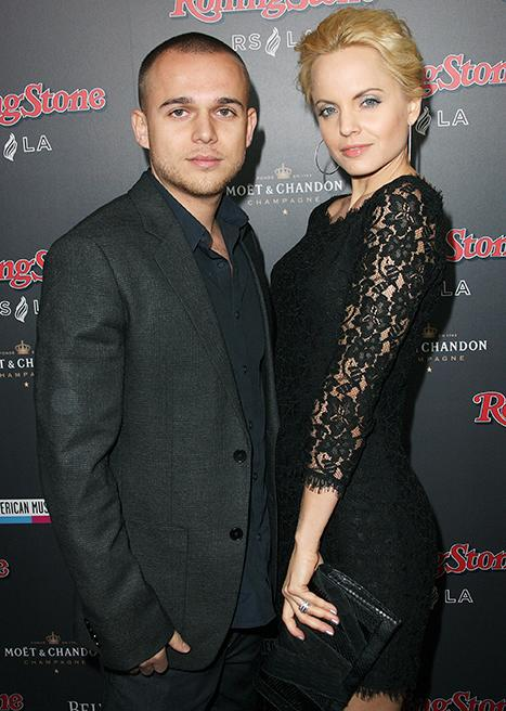 Mena Suvari Reaches Divorce Settlement With Ex Simone Sestito