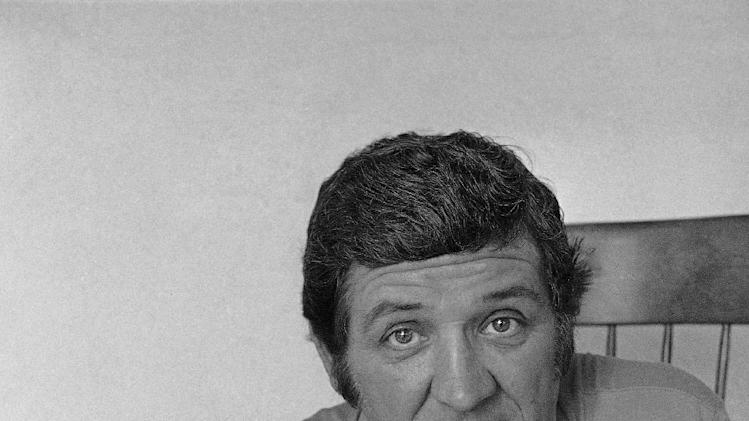 "FILE - This June 30, 1977 photo shows television actor George Lindsey posing for a picture. Lindsey, who portrayed Goober in the television series ""The Andy Griffith Show"", has died, Sunday, May 6, 2012. He was 83. (AP Photo/JLR, file)"