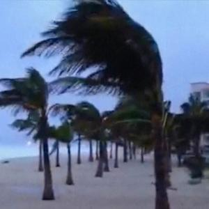 Thousands evacuate in Mexico as Hurricane Odile makes landfall