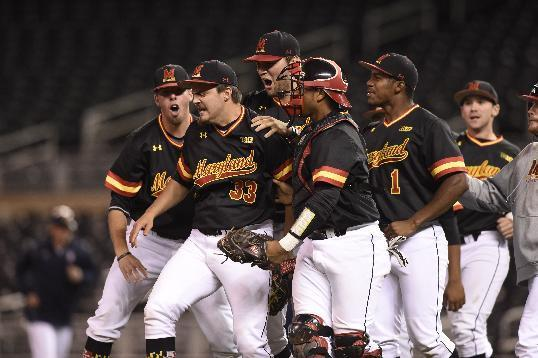 With 5 teams in NCAAs, cold-weather Big Ten baseball hot now