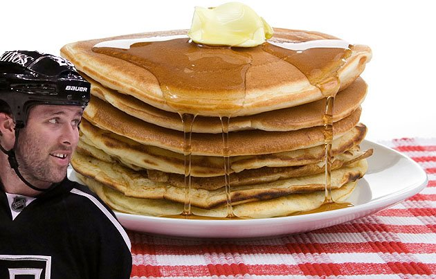 Kings' Dustin Penner injures himself while eating a stack of delicious pancakes | Puck Daddy - Ya…