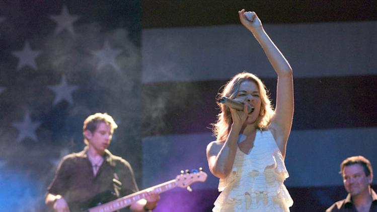 LeAnn Rimes got engaged when nobody was looking!