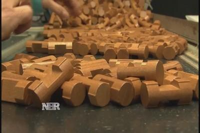 U.S. to manufacture Lincoln Logs