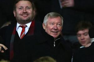 Alex Ferguson: Manchester United still in title race