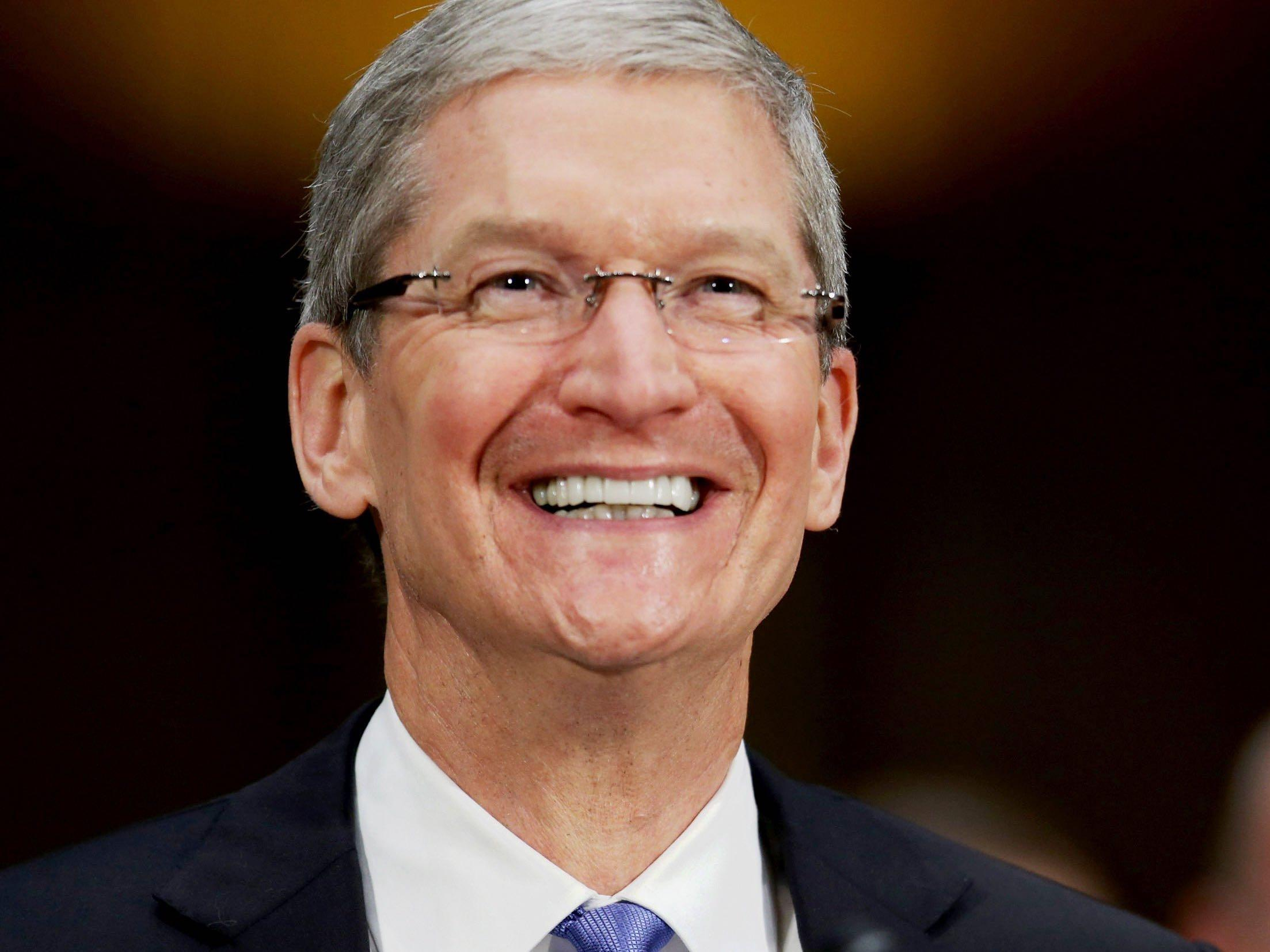Tim Cook just made a funny joke about marriage in front of 20,000 Cisco employees